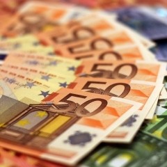 pensionējošās mātes dēla nauda pārskaita papildu ienākumus