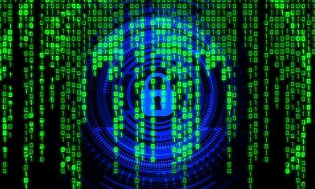 hakeris nopelnīt naudu