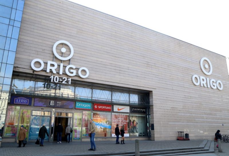 tirdzniecības centri ir atvērti)