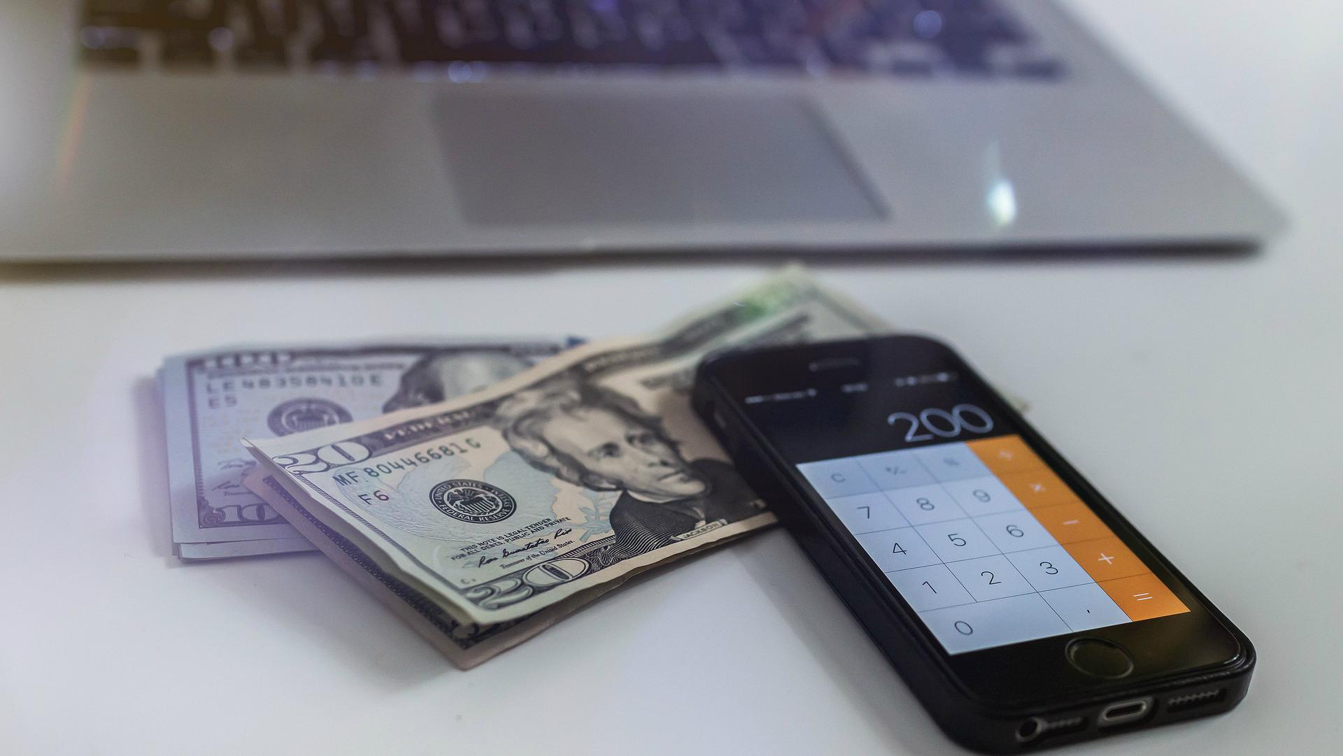apmaiņa pret naudas pelnīšanu internetā