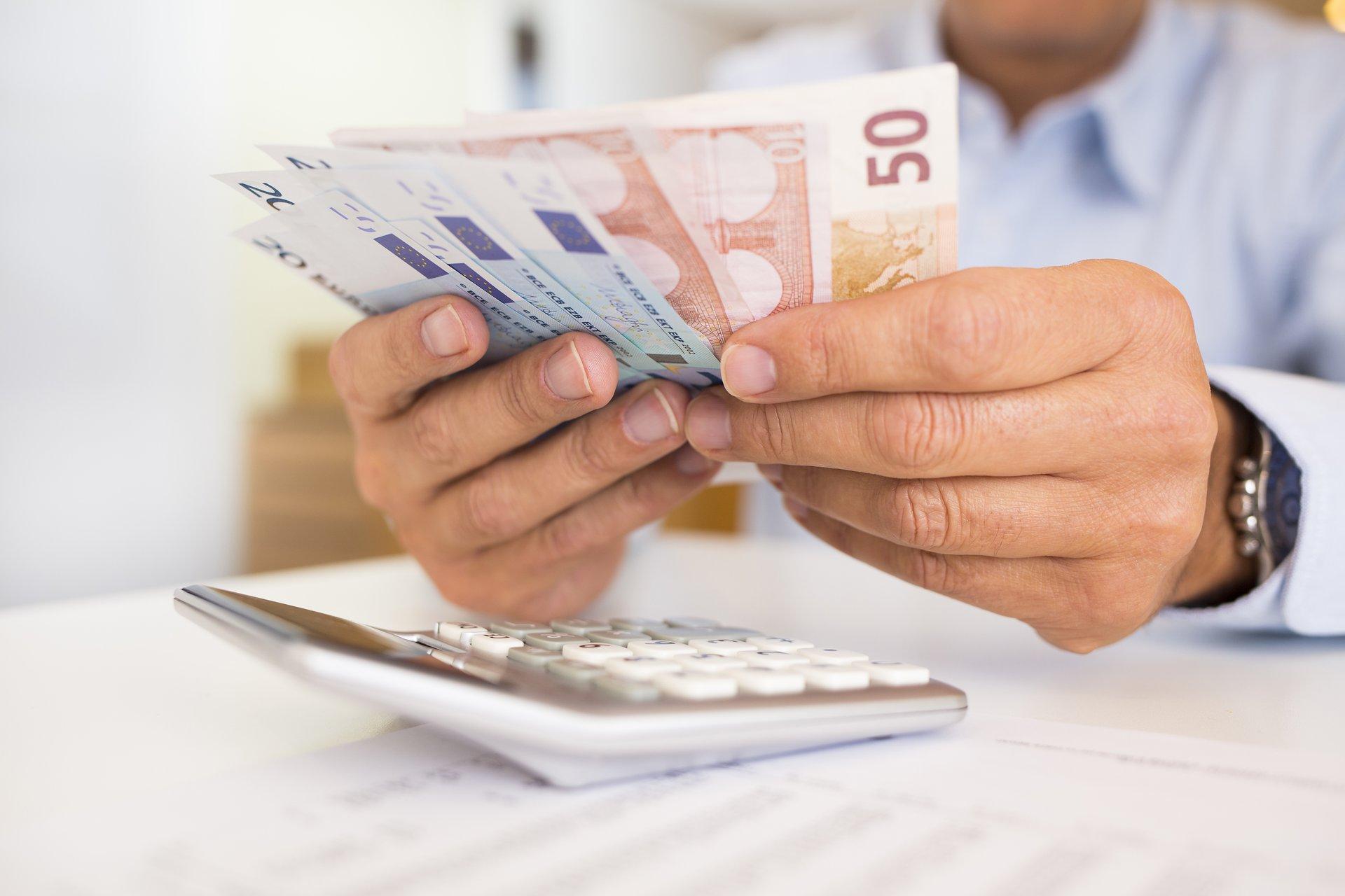 9 mobilo telefonu aplikācijas ar kurām var nopelnīt naudu   azboulings.lv