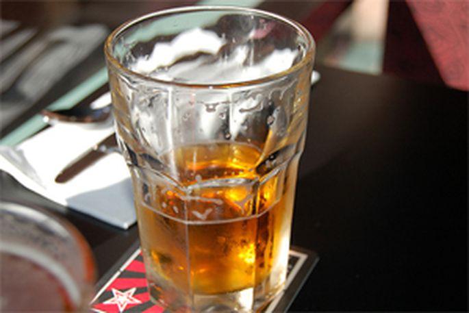 Ierosina aizliegt arī stiprā alus tirdzniecību naktīs. - Latvijā - Ziņas - TVNET