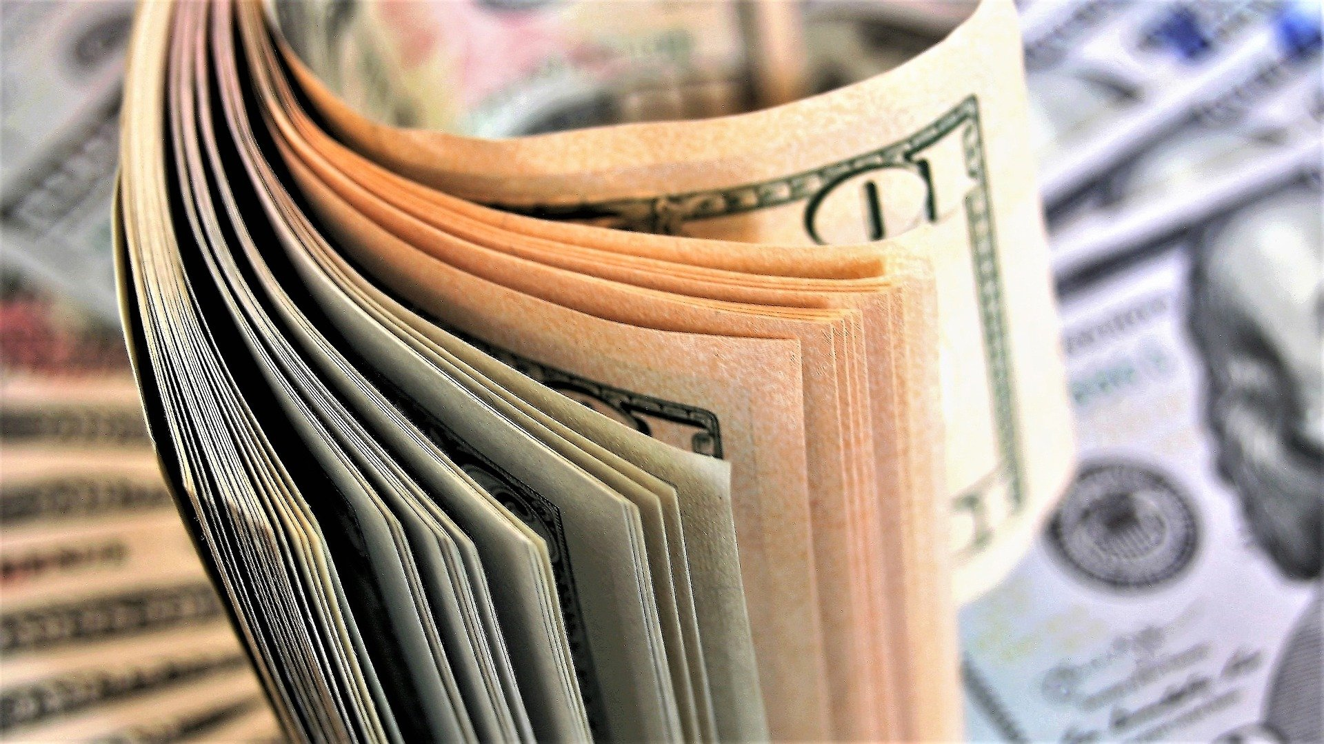 Kur likt vecu, bojātu vai viltotu naudu? | SEB banka