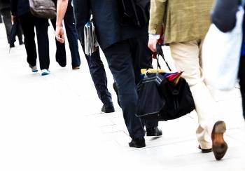 No minimālā sociālā nodokļa varētu atbrīvot pensionārus un studentus