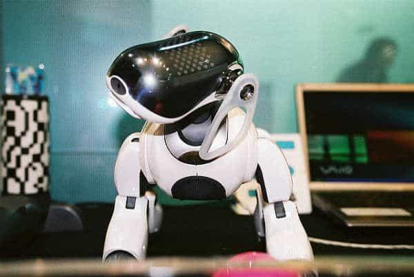 roboti tirdzniecības centros)