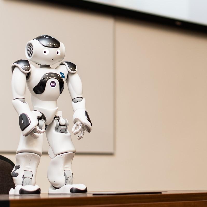 roboti, kas palīdz nopelnīt)