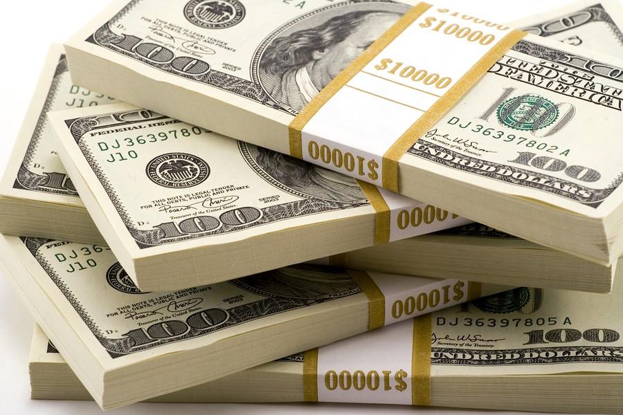 nauda kā nopelnīt un kļūt bagātam