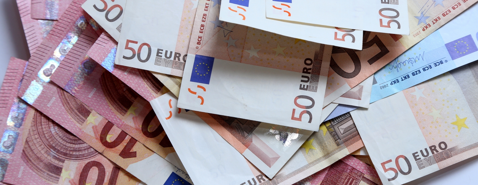 viegli nauda pārskata ieņēmumus