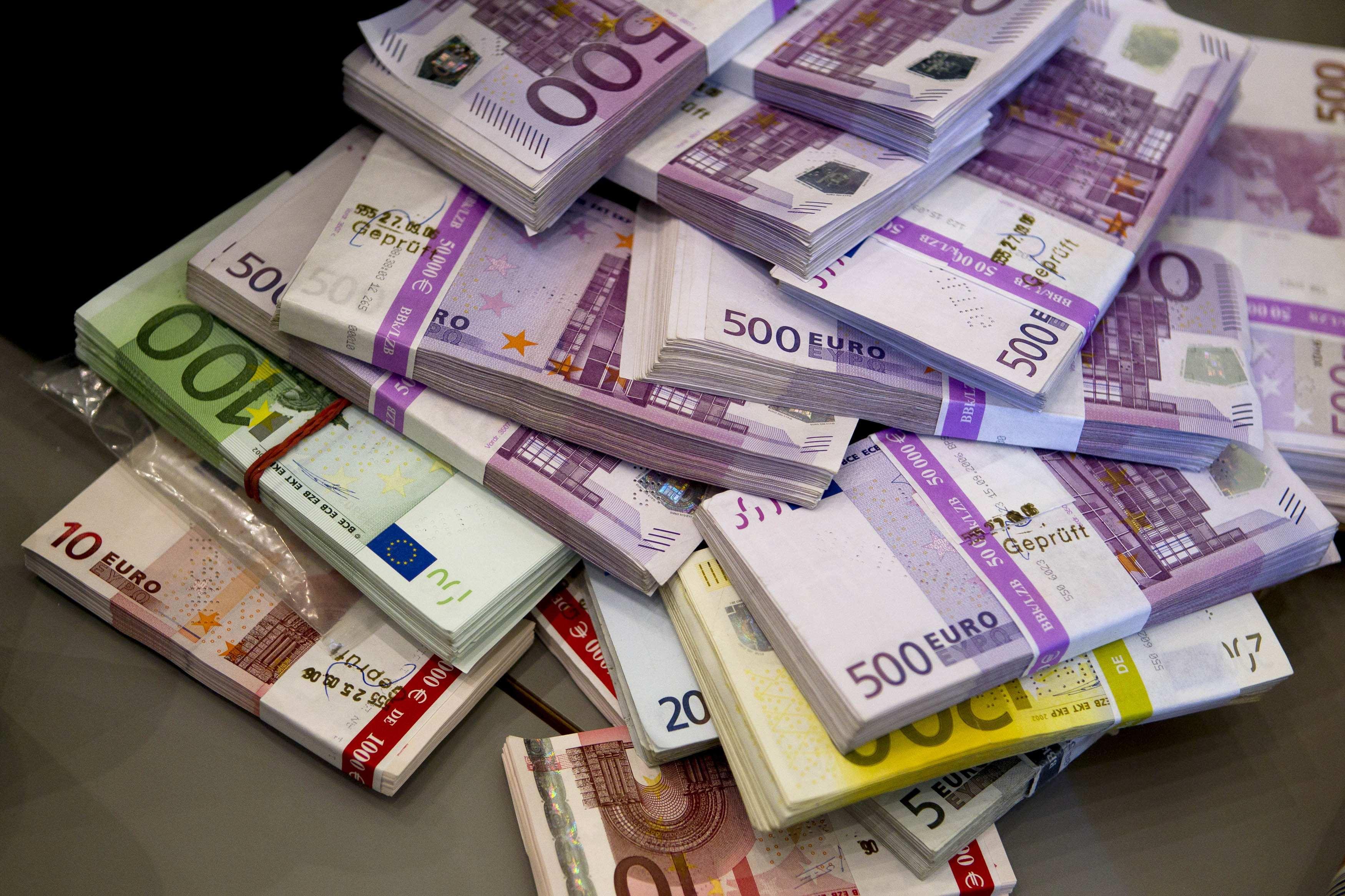 cik daudz naudas nopelnīji ar eiro)
