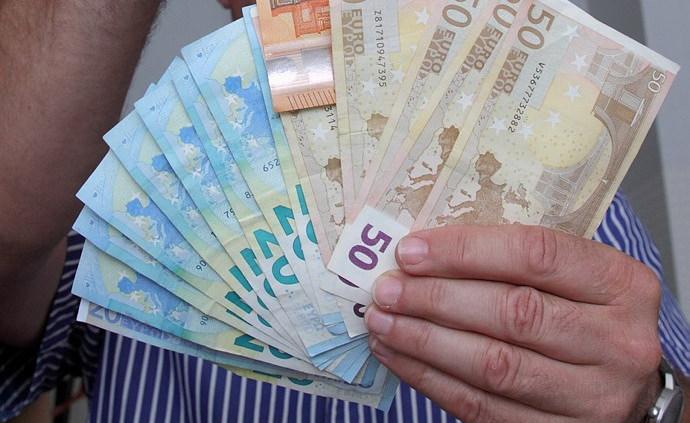 kā nopelnīt naudu vienā mēnesī