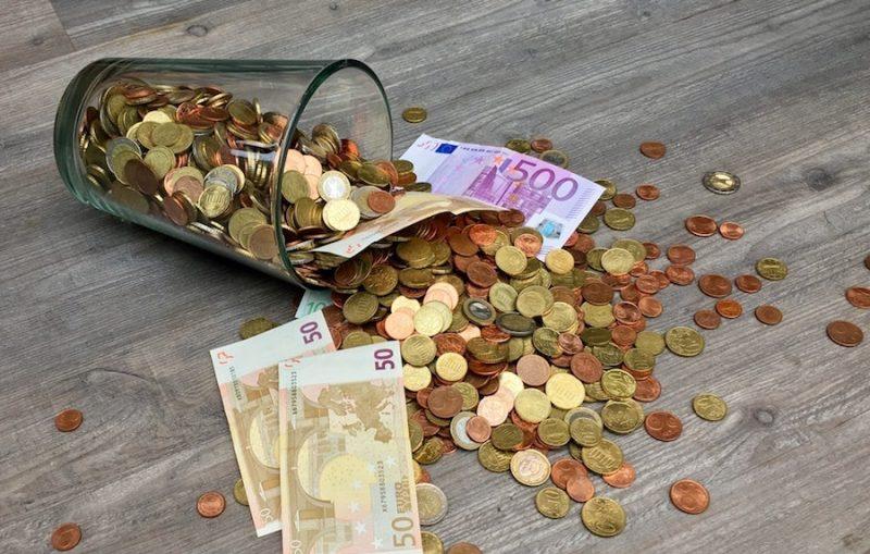 kā jūs nopelnāt naudu ar savu pirmo naudu
