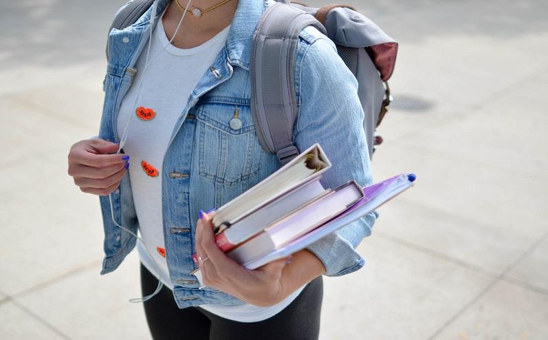 nopelnīt naudu, lai studētu