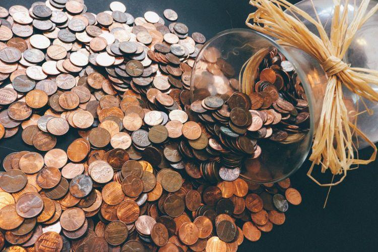 Pieteikums naudas pelnīšanai, neieguldot studentu. Galvenās straumju platformas