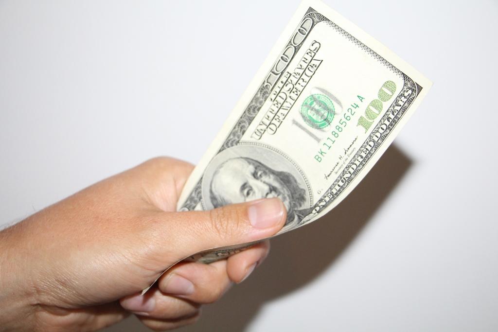 Nopelnīt 1 dolāru dienā tiešsaistē. Kā Nopelnīt Dolārus Nedēļā Tiešsaistē