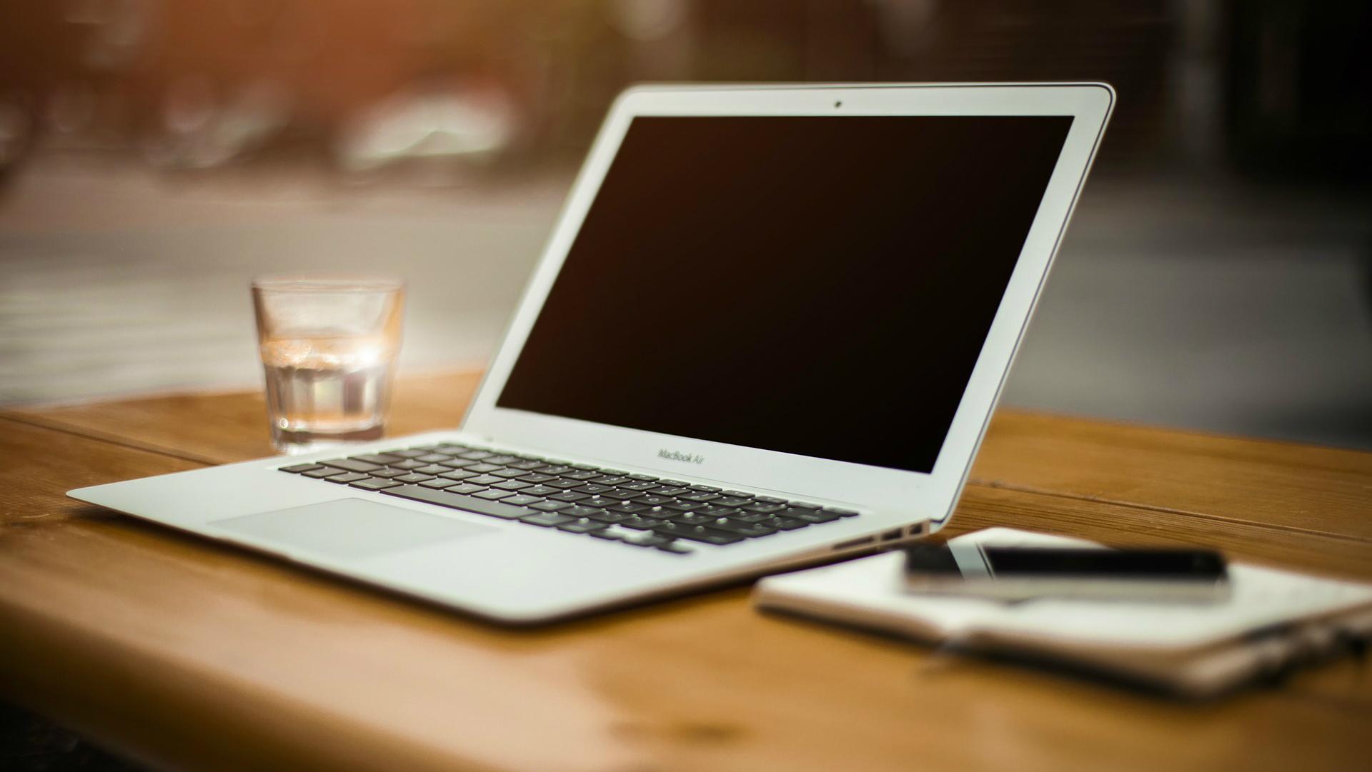 atsauksmes par naudas pelnīšanu internetā saistītajās programmās