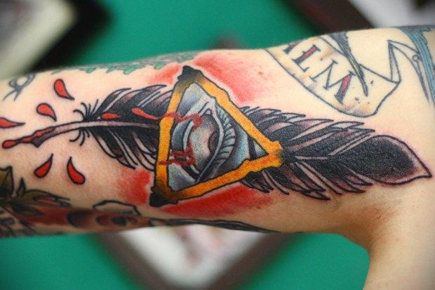 cik tetovējumu mākslinieks nopelna mājās