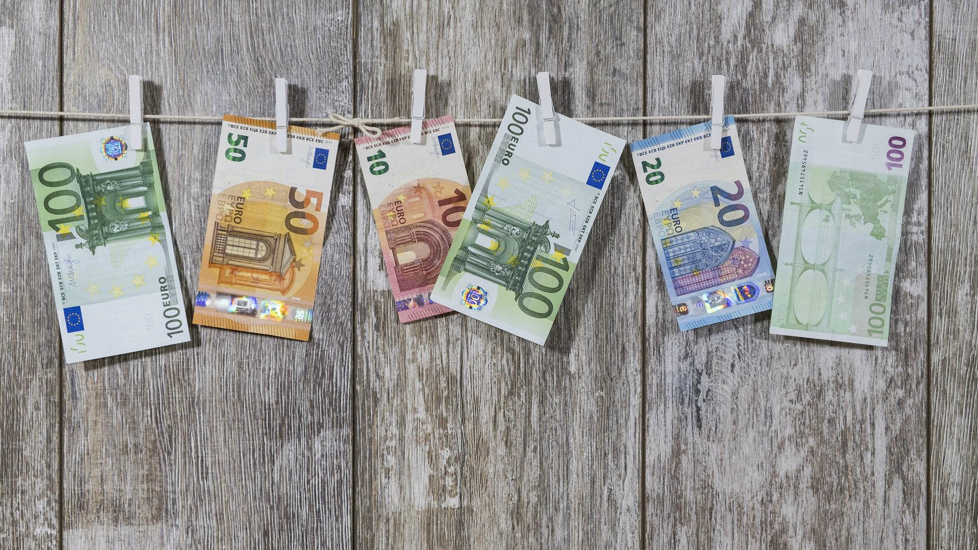 kā nopelnīt naudu un kur iegūt naudu