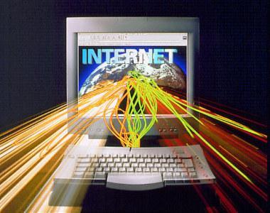 Kā Pelnīt Naudu Sēžot Mājās Izmantojot Internetu