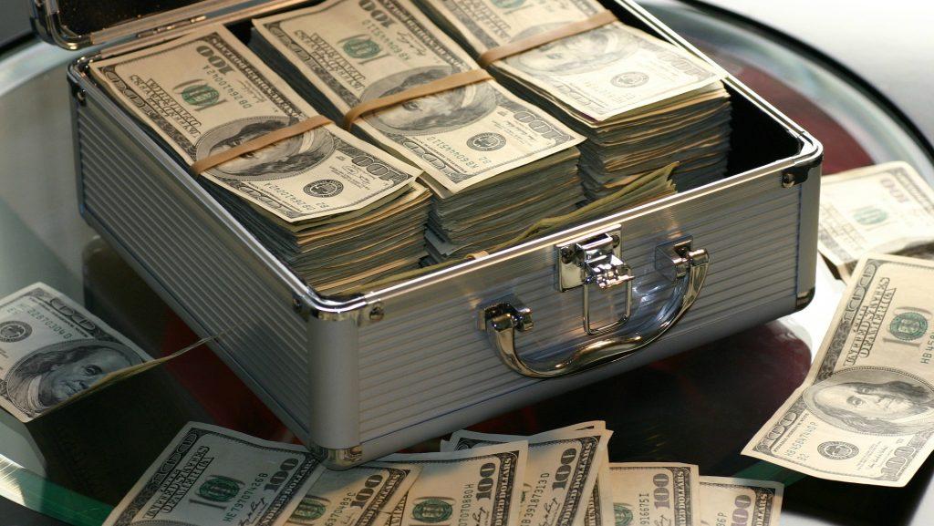 peļņas bitcoin apskats investējot kriptogrāfijas naudu