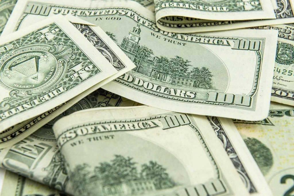 nopelnīt naudu katru stundu kā tirgotājs pelna naudu par binārām opcijām