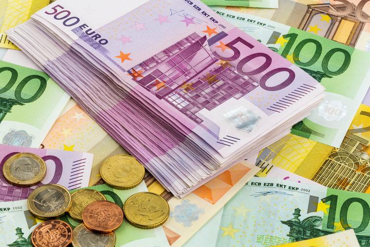 kur nopelnīt daudz naudas ECB)