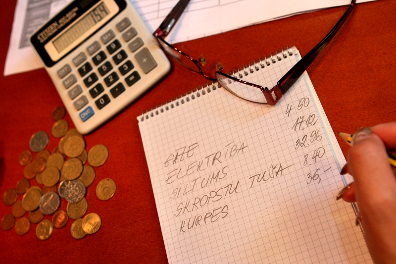 Ir pelnīt naudu app reālu. Download Daily Cash : Earn Money App Android: Pics Editors