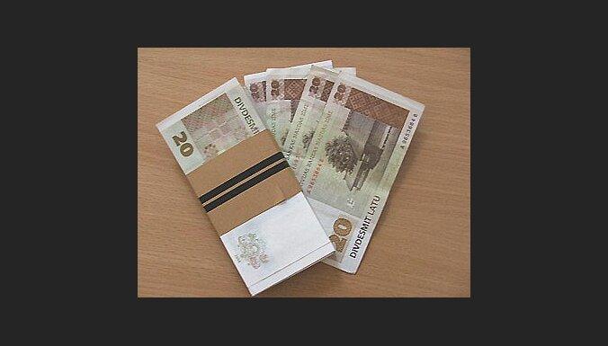 Cik daudz naudas drīkst pārskaitīt radiem un paziņām?