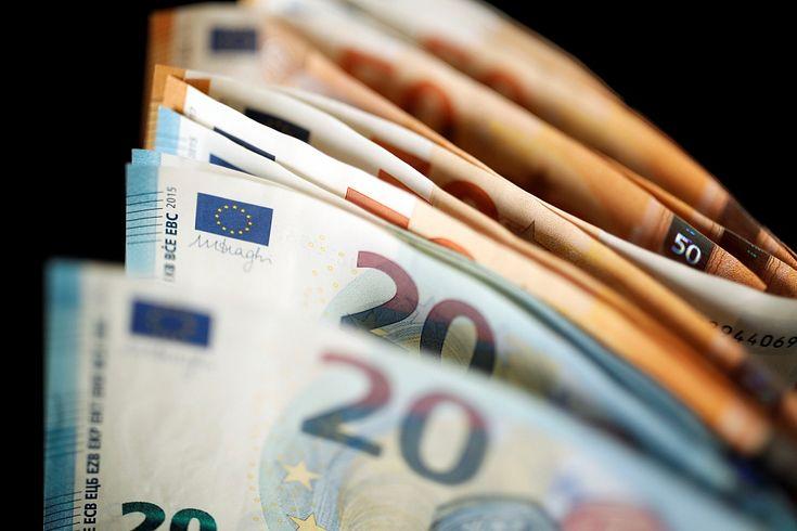 samainīt naudu pret bitkoiniem)